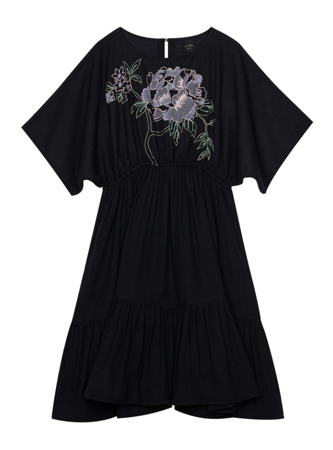 robe noire brodée fleurs vegan