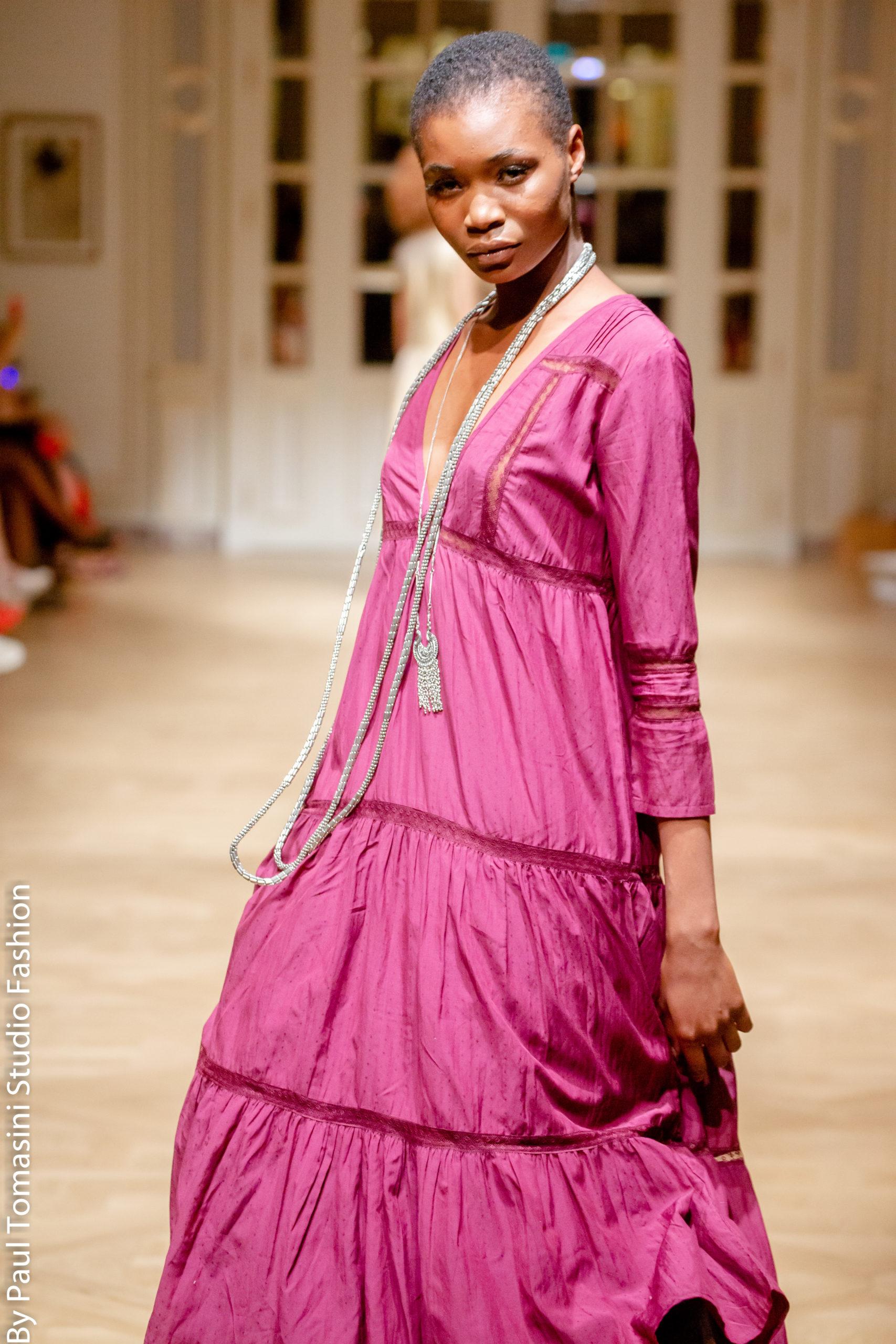 Fashion Show RITZ Robe Soja